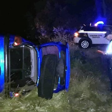 Grandes desperfectos polo atropelo a un xabaril en Baltar
