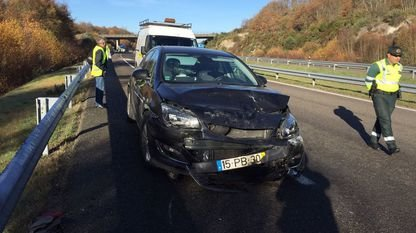 Un aparatoso accidente múltiple causa sete feridos en Xinzo